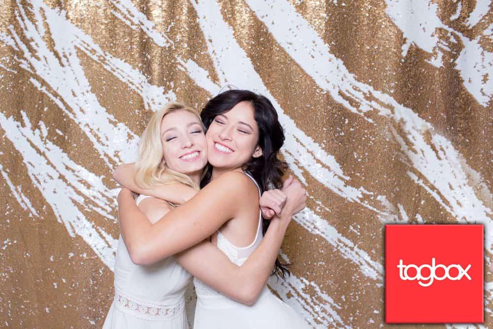 תא הצילום של חברת togbox מאפשר לכם להעניק לאורחים זיכרון בלתי נשכח מהאירוע