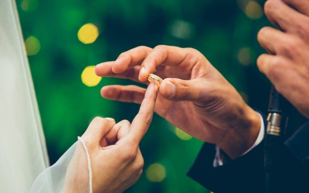 מה משפיע על מחיר מגנטים לחתונה